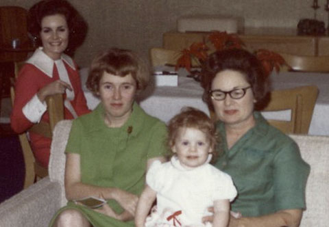 Mimi and Dona with Merrily and Sophie, 1968
